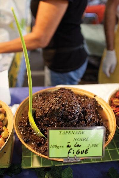 Olive Spread with Figs (Tapenade Noir à la Figue)