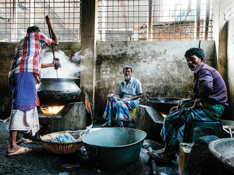 A Wedding Feast for 4,000 in Bangladesh
