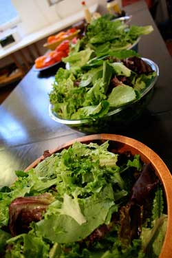 httpswww.saveur.comsitessaveur.comfilesimport2011images2011-087-BLT_party_lettuce_250.jpg