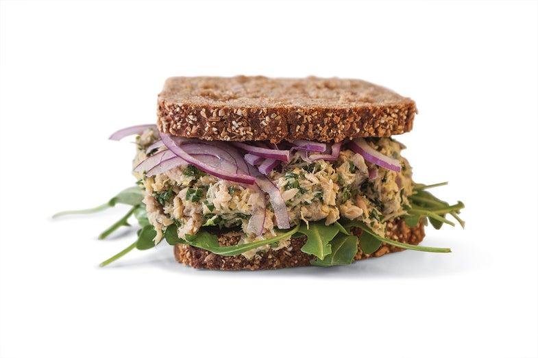 Lemon-Pepper Tuna Sandwich