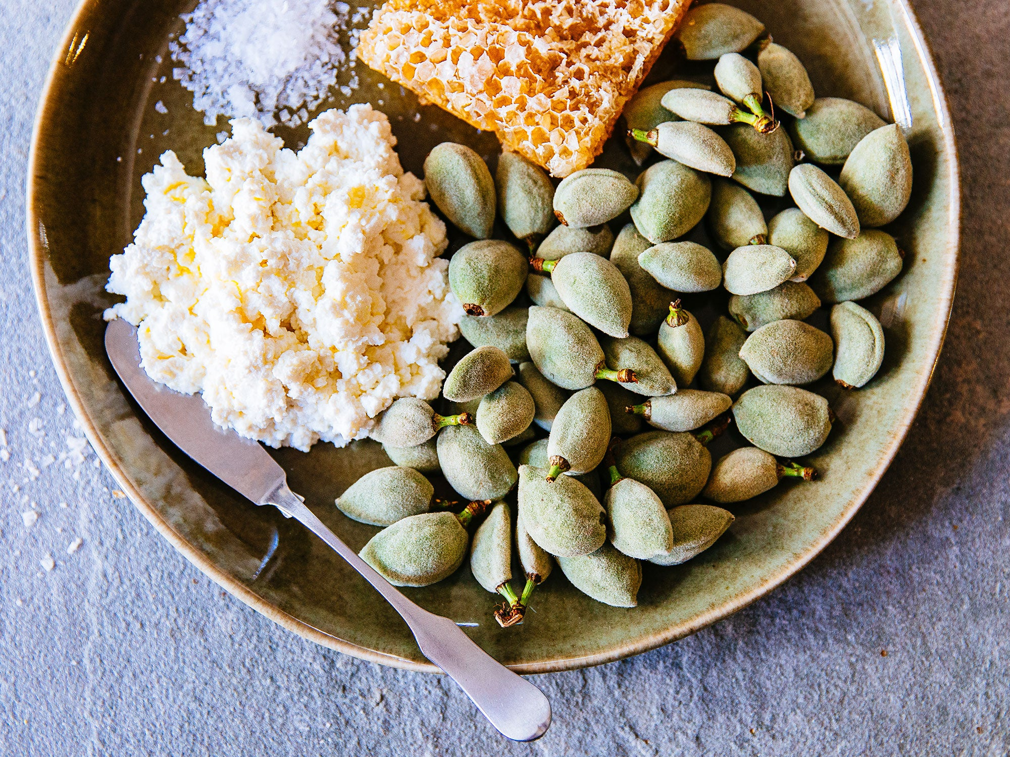Green Almonds Are the Super-Seasonal Taste of Spring to Eat Right Now