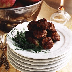 httpswww.saveur.comsitessaveur.comfilesimport2007images2007-12125-23_Swedish_meatballs_250.jpg