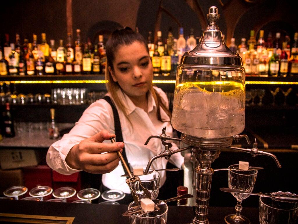 Verne Cocktail Club