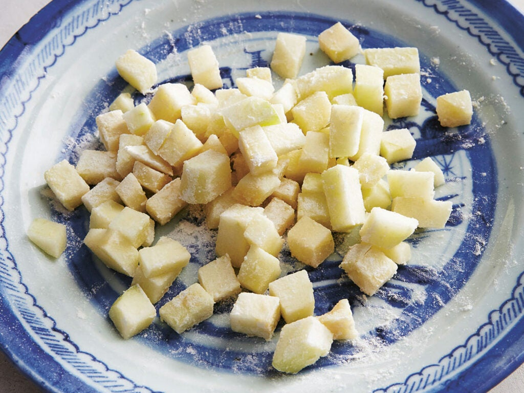 julia tushen chopped apples