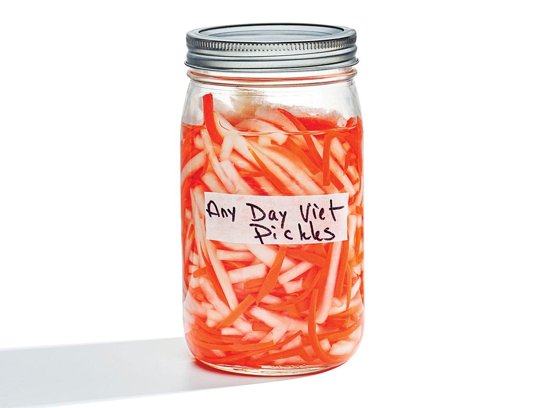 Vietnamese Daikon and Carrot Pickles (Do Chua)