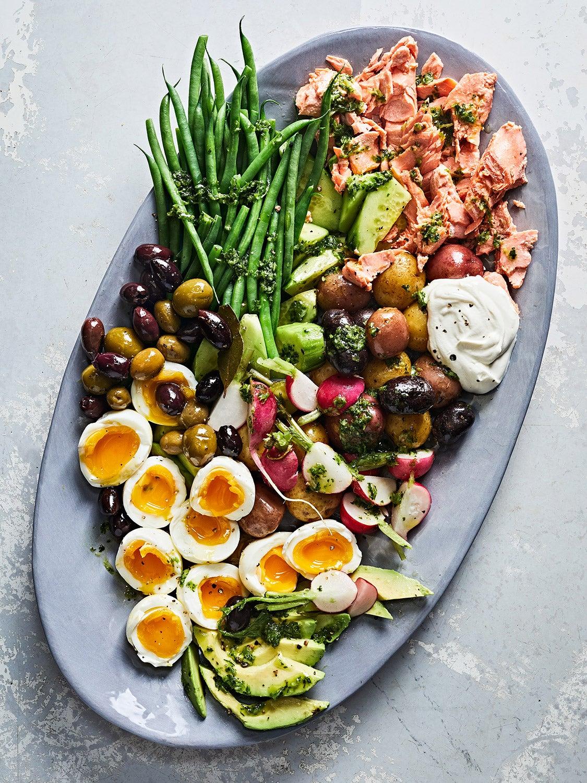 Salmon Niçoise Salad with Garlic-Herb Dressing