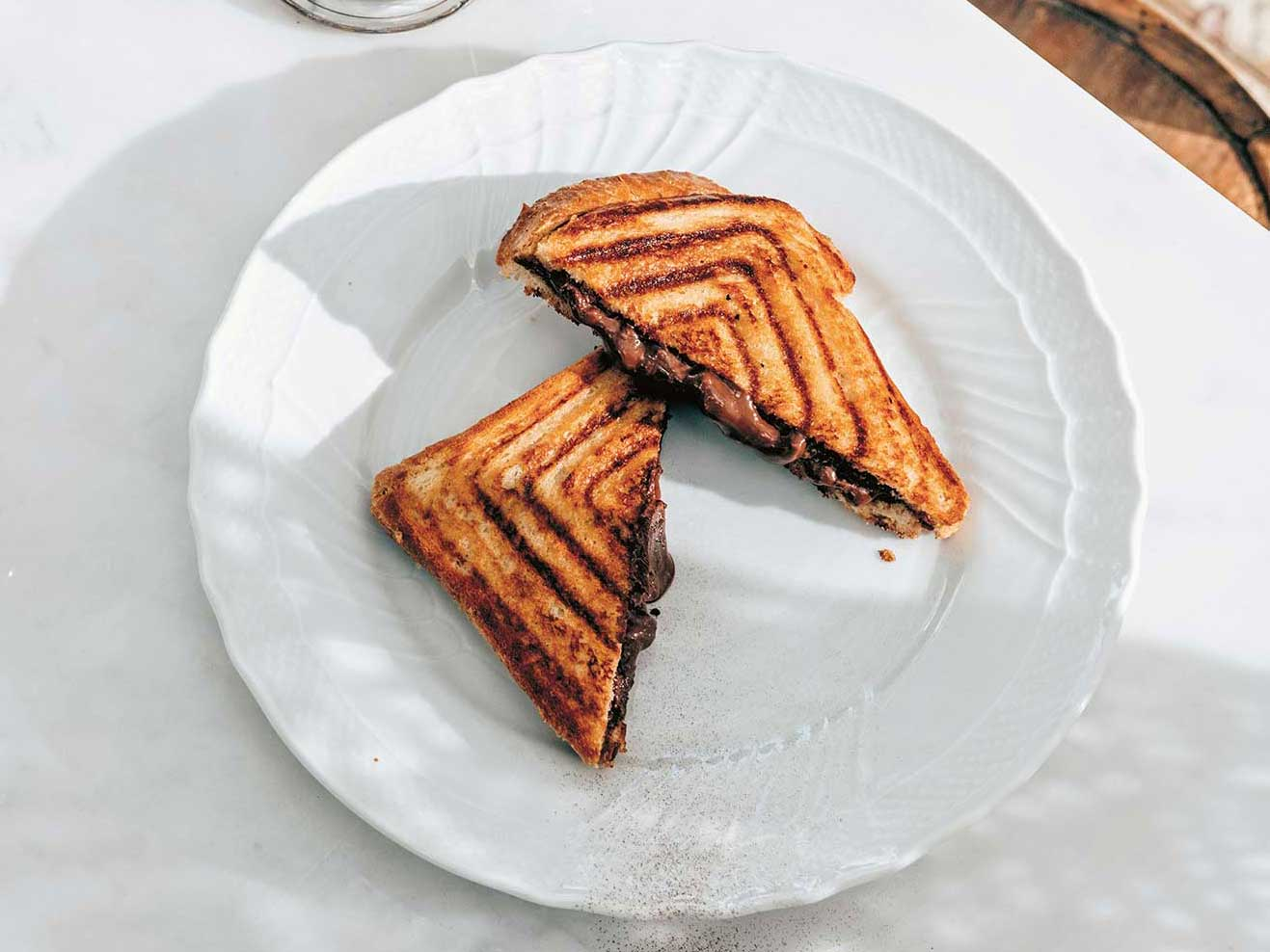 You Are Allowed to Eat This Chocolate Sandwich Because It's Italian