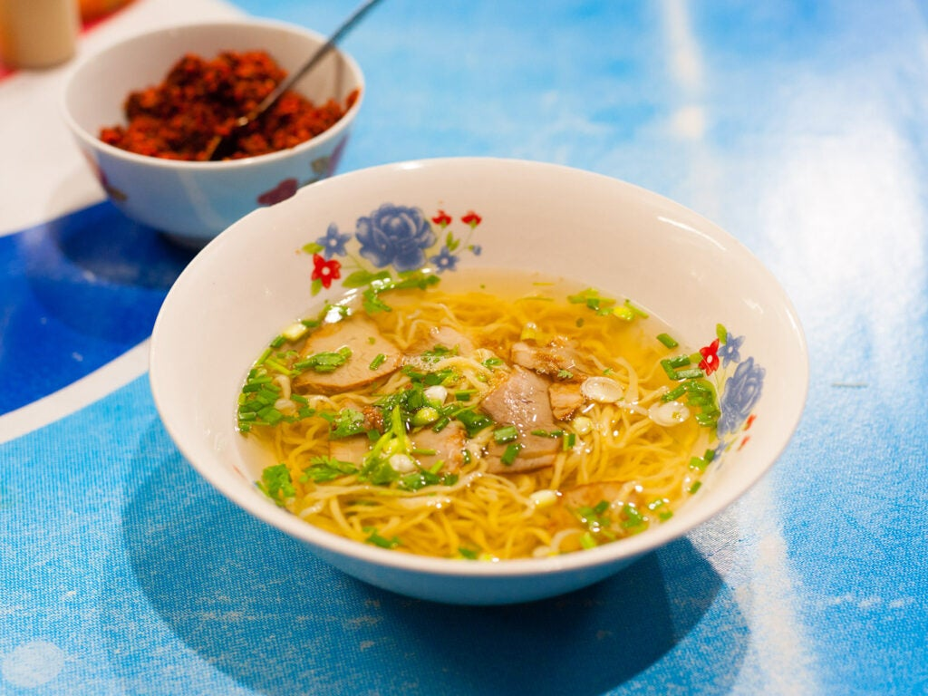 Mee lueang in bowl.