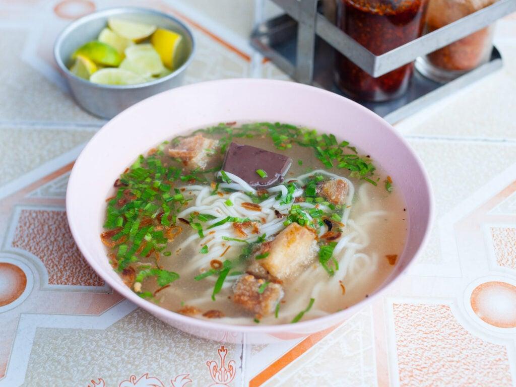Khao piak sen noodles