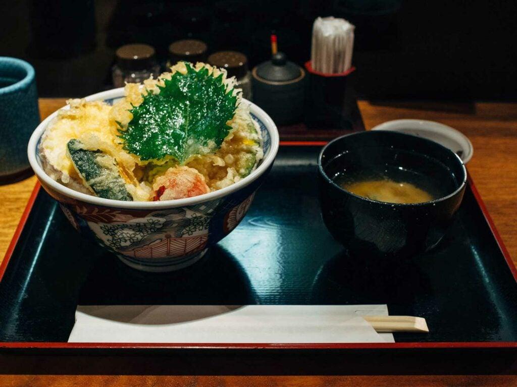 Keyaki's yasai tendon (vegetable tempura bowl)