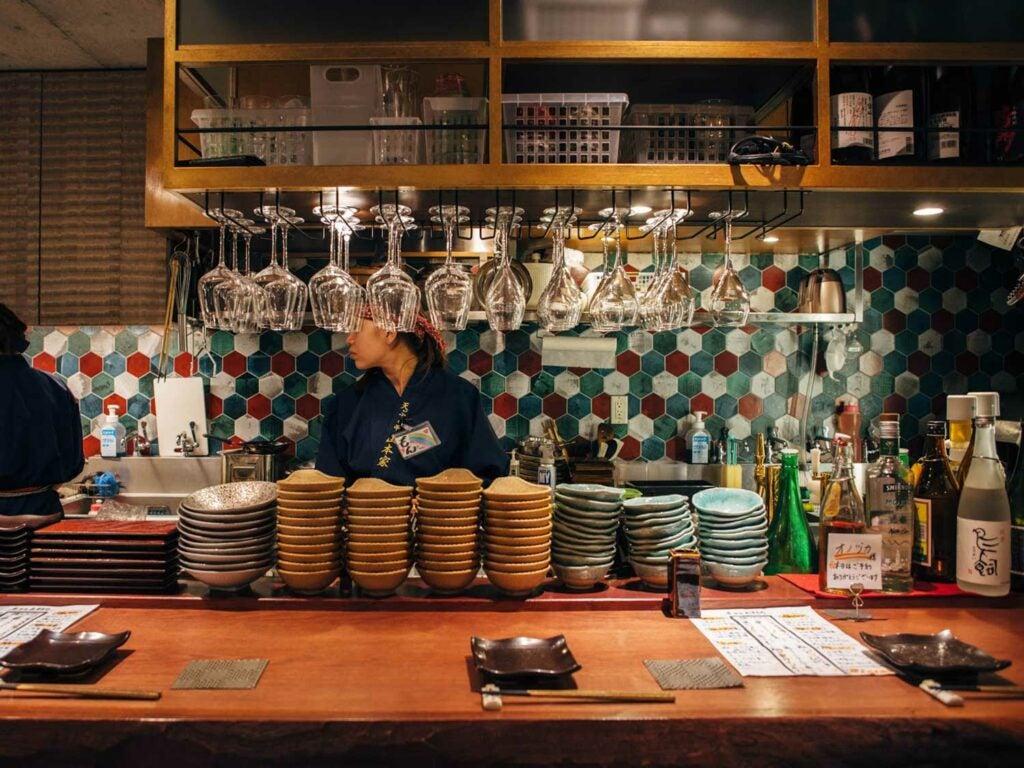 The tempura counter at Yamamotoya