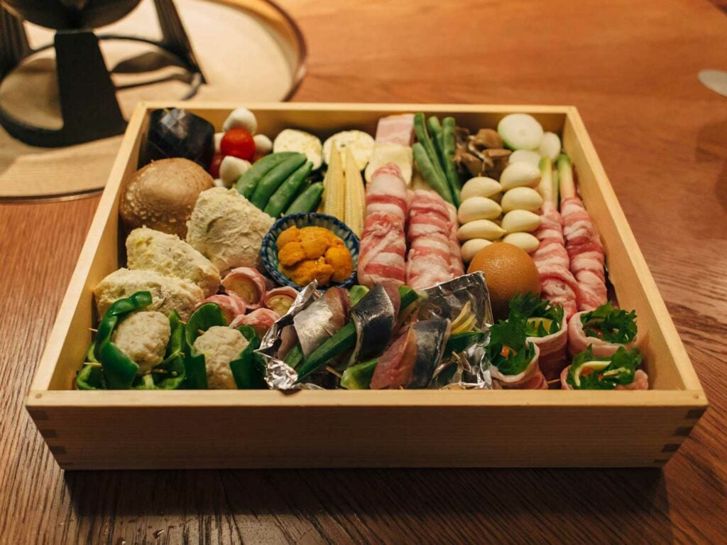 At Yamamotoya, the seasonal tempura of the day is presented to diners in a box in lieu of a regular menu.