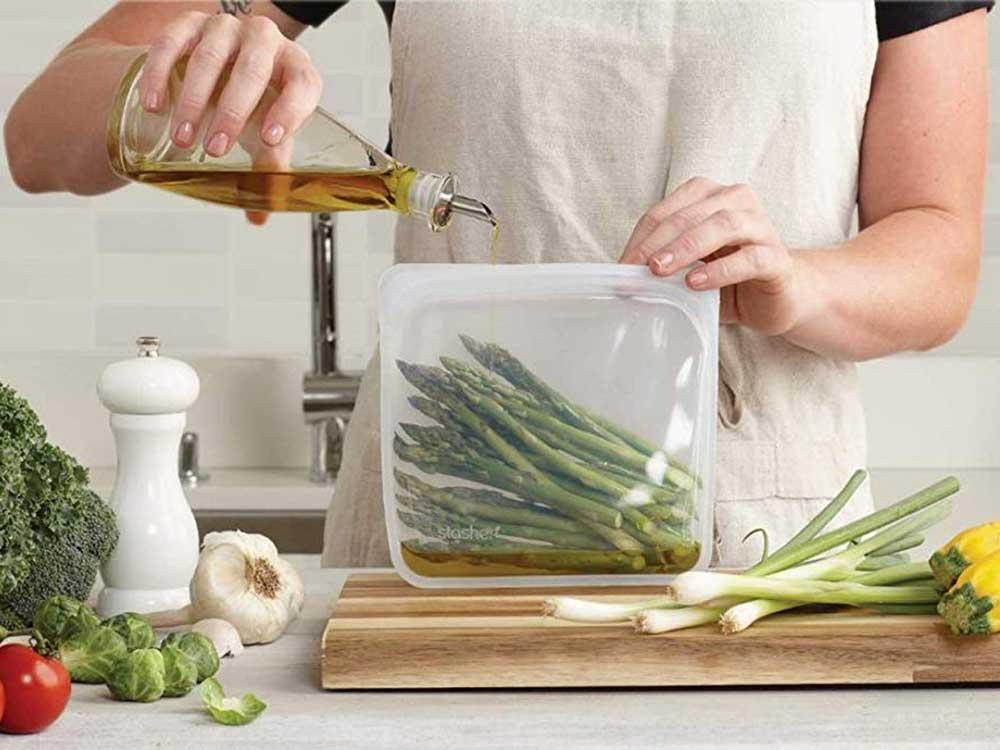 httpspush.saveur.comsitessaveur.comfilesimages201909stasher-silicone-reusable-food-bag.jpg