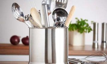 A Utensil Holder for All Kitchens