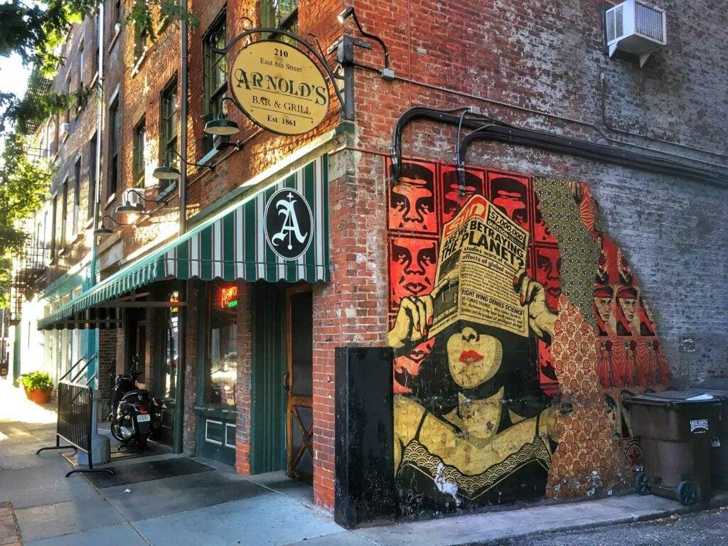 Arnold's Bar