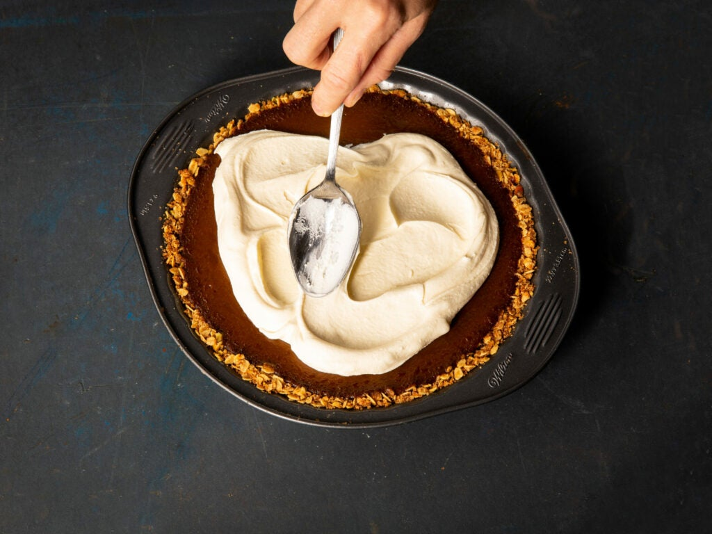Finish your last-minute pumpkin pie with a billow of whipped cream.