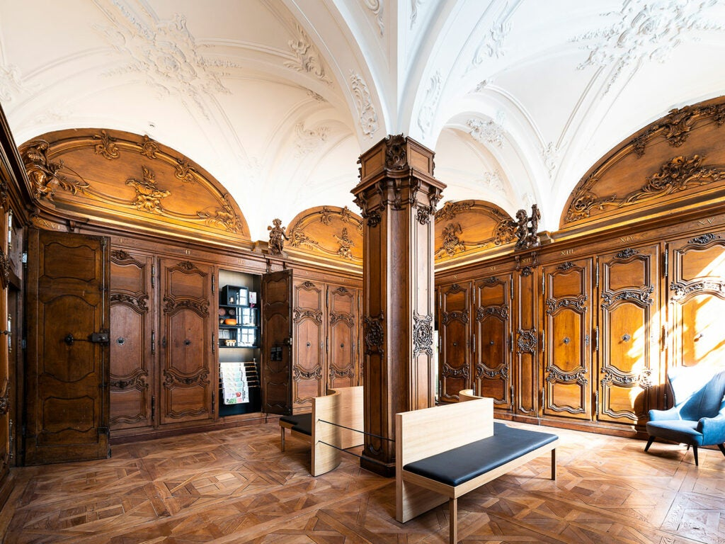 The Hôtel-Dieu lobby.