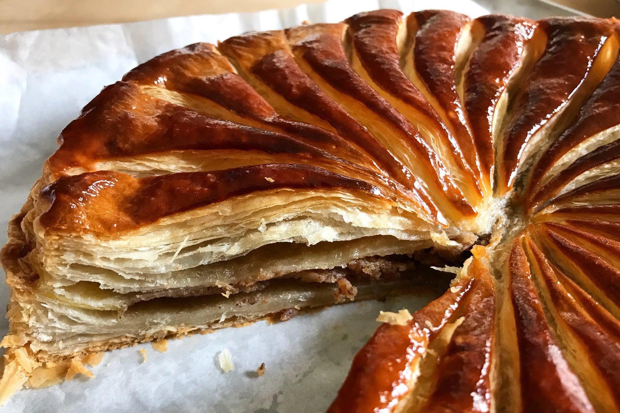 Levee's Queen Cakes