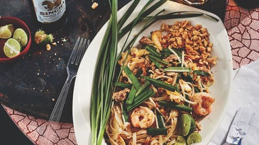 Pad Thai with Pork and Shrimp (Phat Thai Ruam Mit)