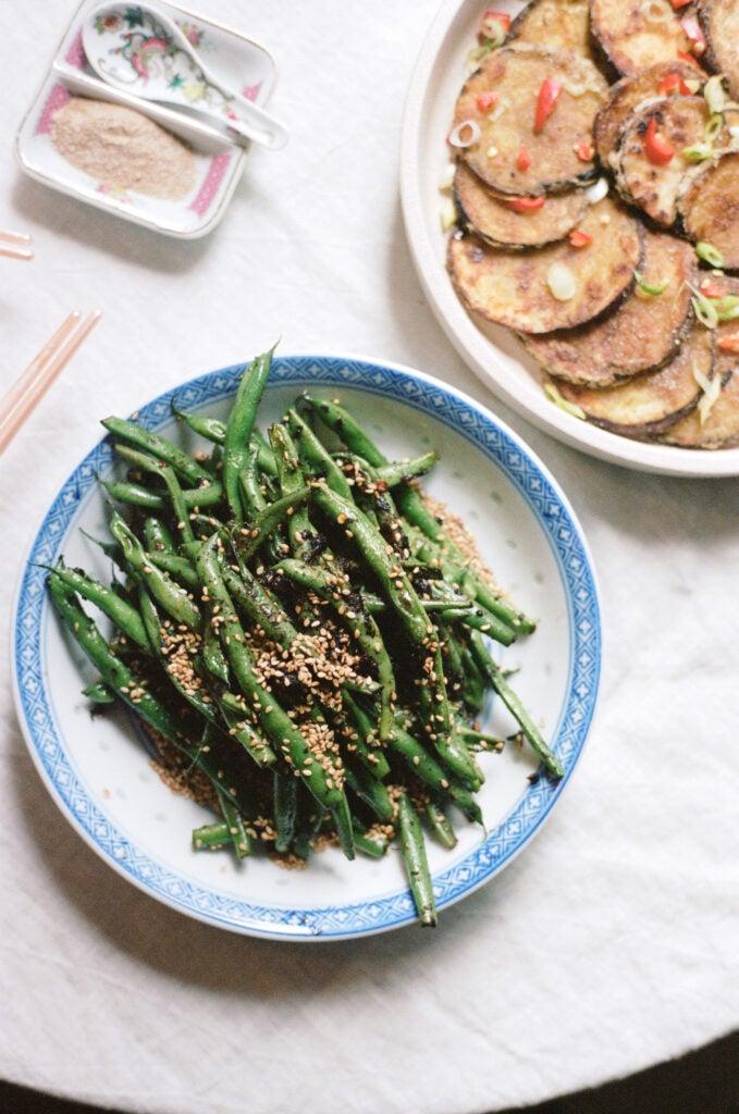 Stir-fried green beans with fermented black bean sauce.