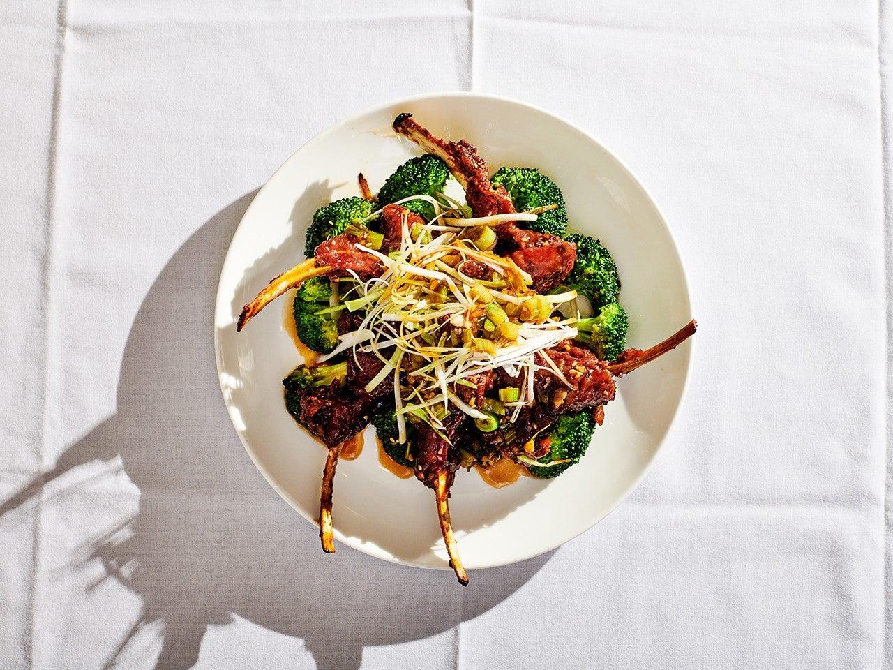 Lamb Chops Peking-Style On top of Broccoli