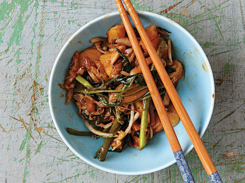 Shanghai Stir-Fried Rice Cakes (Chao Nian Gao)