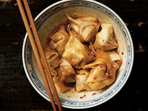 Chao Shou (Sichuan Pork Wontons)
