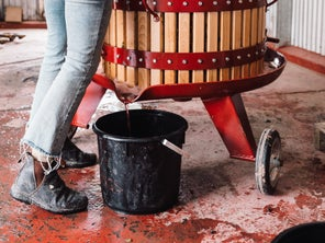 At This Australian Winery, Making Pét-Nat Is Not a Spectator Sport
